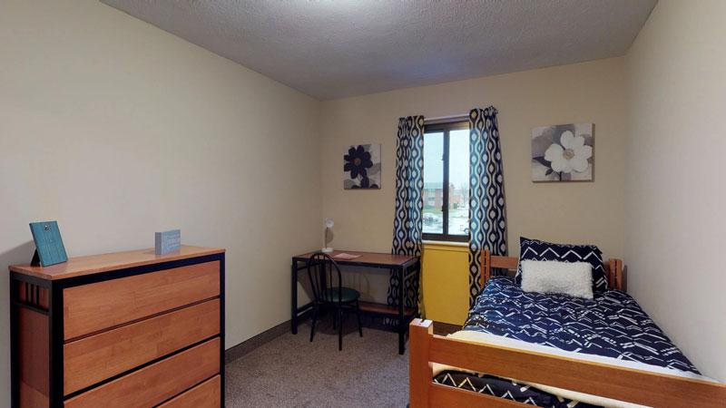 College Park – Bedroom
